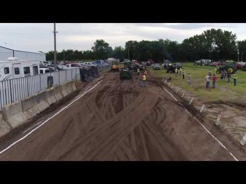 Nicollet County Fair Tractor Pull - 08/11/2016