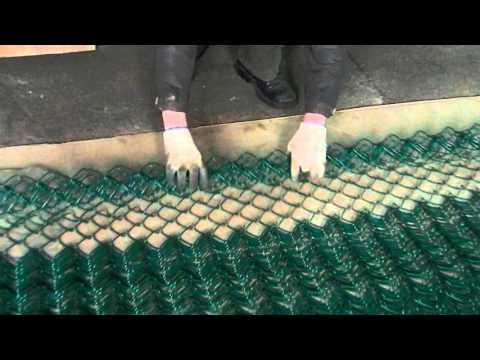 Перемотка сетки рабицы из компактного рулона в объемный