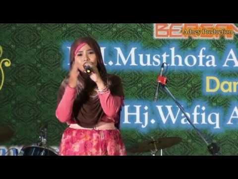 Sholatun Bissalamil Mubin - Wafiq Azizah LIve In Chungli-Taiwan