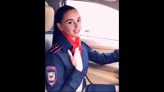 Лейтенант полиции поет блатняк за рулем BMW