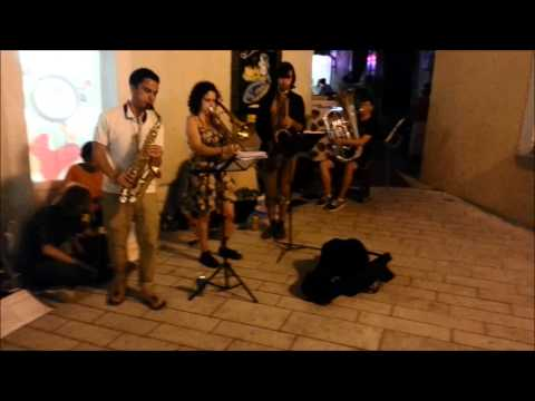 Mimika on Tour in Croatia - Busking Sessions