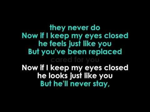 halsey-eyes-closed-karaoke