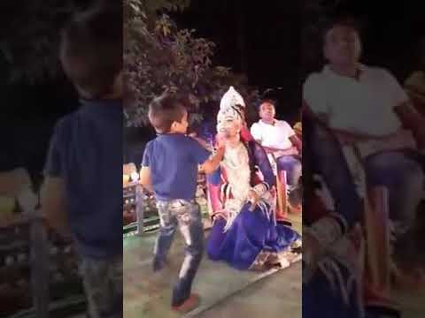 Chhalkat Hamri Gagariya He Kanha Chhini Hamri Chunarya