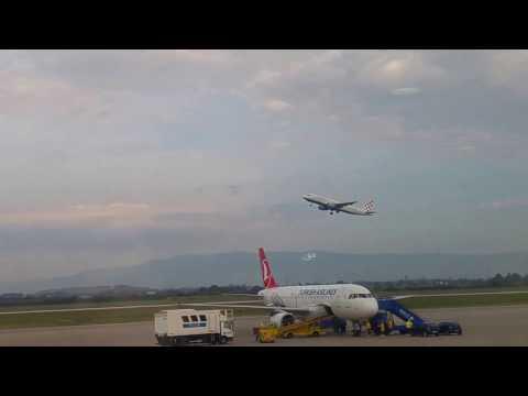 Croatia Airlines plane lift off (Zagreb Airport Franjo Tuđman)