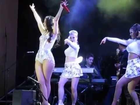 Орейро Наташа танцует в Гранд Холл Сибирь и приглашает фанатов на сцену