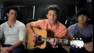 Jonas Live Chat -Nick sing Catch Me (by Demi Lovato) + DOWNLOAD LINK MP3 FULL