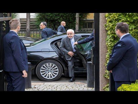 قمة مجموعة السبع: وزير الخارجية الإيراني يصل إلى بياريتس الفرنسية ويلتقي نظيره الفرنسي  - نشر قبل 2 ساعة