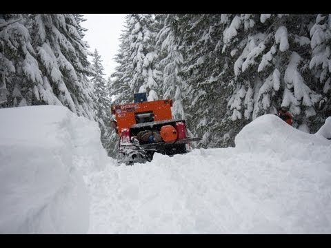 Deep Snow Powder Adventure with a Thiokol Imp snowcat ратрак