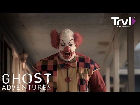 Go Inside the Clown Motel - Travel Channel
