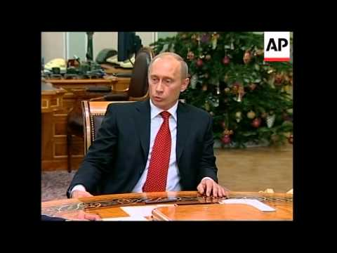 Putin meets energy minister, Gazprom execs at country house