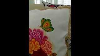 Cojín Pintado a Mano Sobre Tela