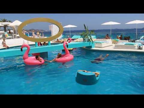 Rare flamingo /Santos Ibiza Coast Suites, Playa Den Bossa, Ibiza/