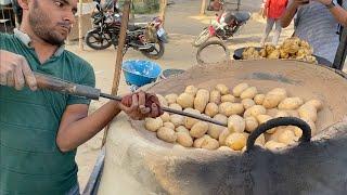 Vendor Cooks Potato in Sand in a Huge Tandoor | Most Amazing Indian Street Food