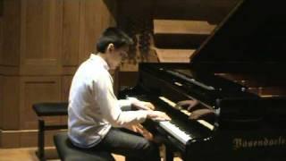 Bach prélude et fugue en sib Majeur interprété par Victor Boutet