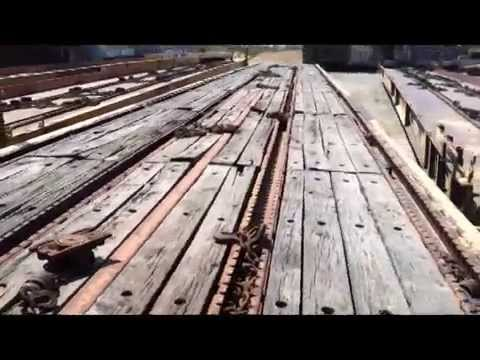 89' railcar with wooden deck