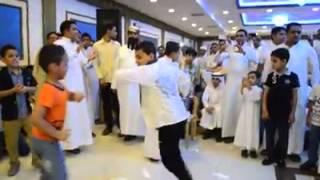 رقص اطفال يمنين روووعه في عرس يمني بالسعوديه ابداع