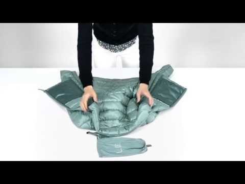 UNIQLO | How to fold your Ultra Light Down - YouTube