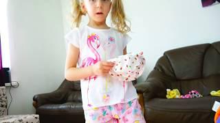 Распаковка коляски и одежды для куклы Милана играет с Даней в Дочки матери семейное видео