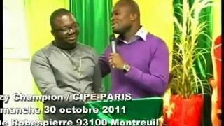 Dezy Champion en prestation au CIPE-PARIS / Montreuil