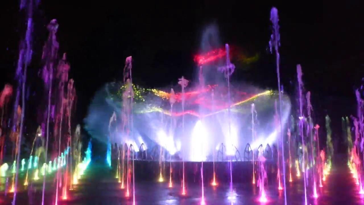 4. Pokaz multimedialny na fontannach – Plac Litewski na wesoło