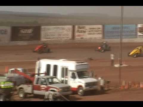 Main Event Thunder Raceway, Show Low, AZ April 17, 2010.wmv