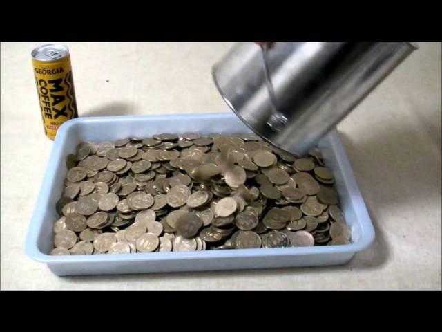 2Lの塗料缶を貯金箱にして、500円玉で貯金してみた