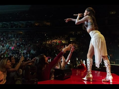 Selena Gomez - Stars Dance Tour DVD Part.1