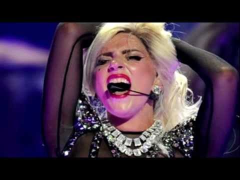 lady-gaga-applause-ft-adele-must-see-concert