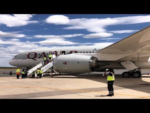 Qatar Airways 787-8 Landing at Windhoek Hosea Kutako International Airport