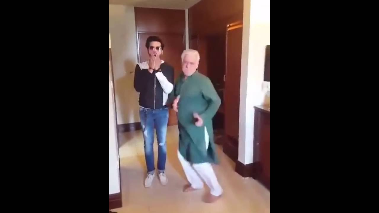 Download Om puri dancing on actor in law's title song