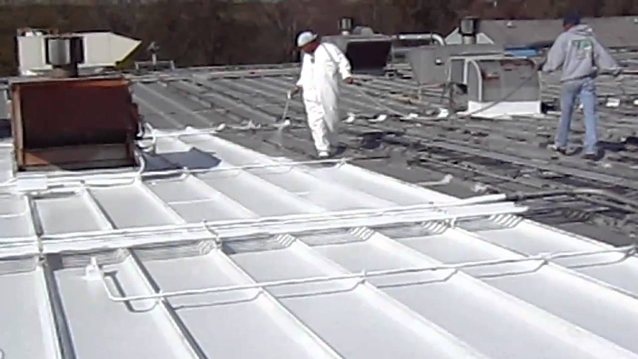 Great Lakes Roofing Applies Waterproof Roof Membrane To A