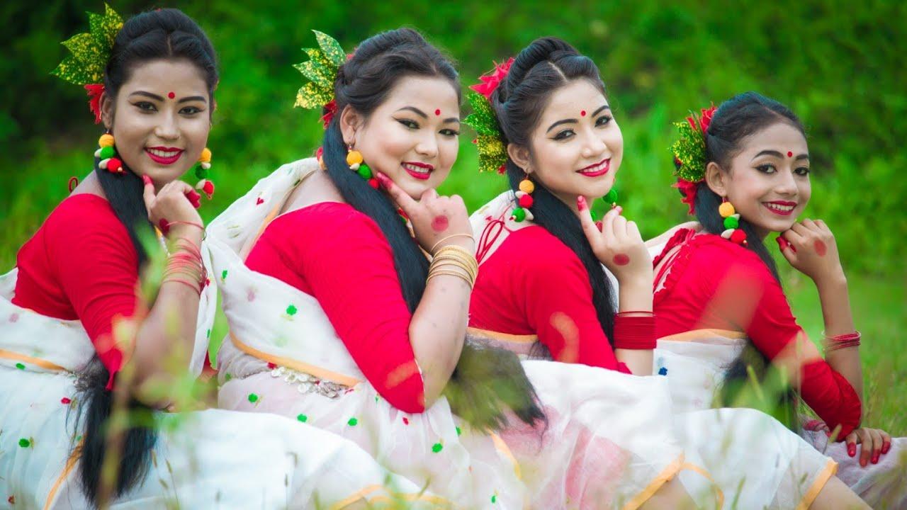 কাদা দিলি সাদা কাপড়ে ❤️😍😍 . Rubi Ghose . Folk Dance Video  . Joyjit Dance .