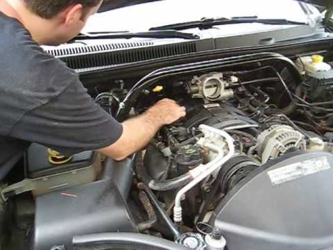 How to Change Your Spark Plugs Part 1 - Jeep 47L - YouTube