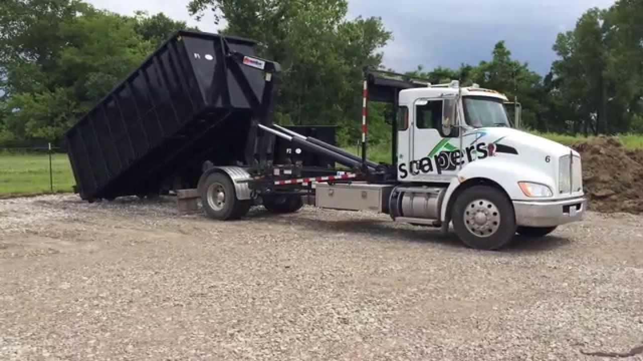 Kenworth Hooklift Picking Up 30 Yard Dumpster Youtube