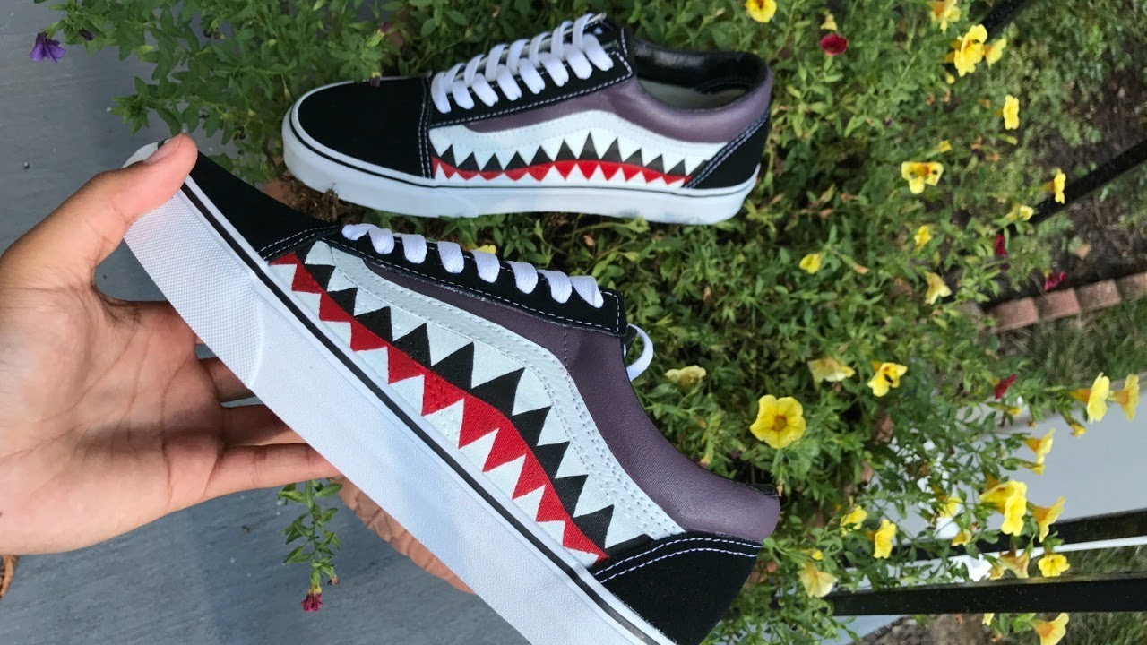 09899fc33ee5 HOW TO  Customize Bape Vans - YouTube