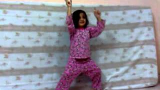 Zainab Aamir Dancing from Pakistan.flv