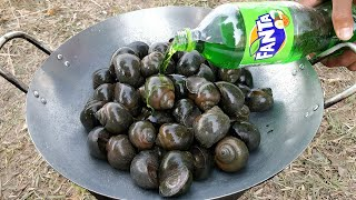 Delicious River Snail Cooking With Fanta / Kdeb Cooking