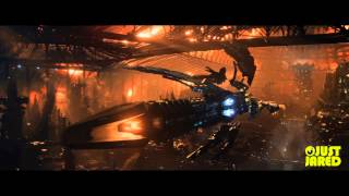 "Jupiter Ascending - ""Reign of Jupiter"" Extended Look Trailer"