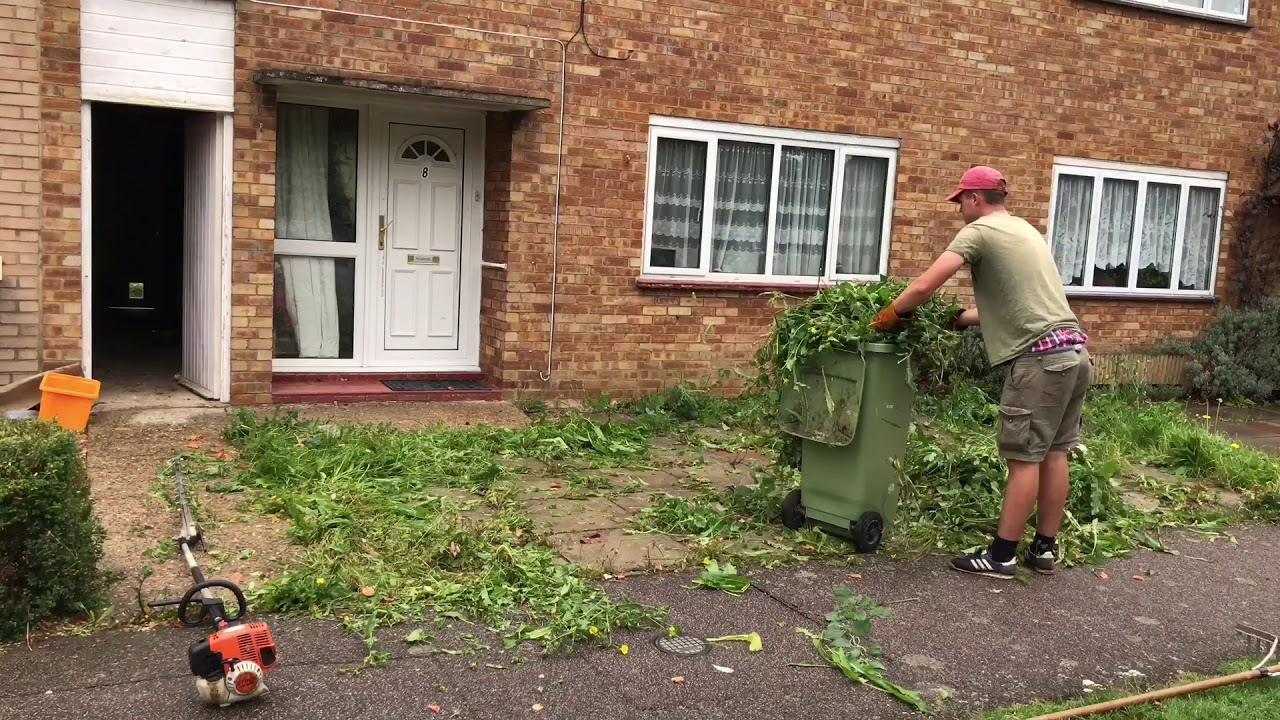 Bletchley garden tidy up - YouTube