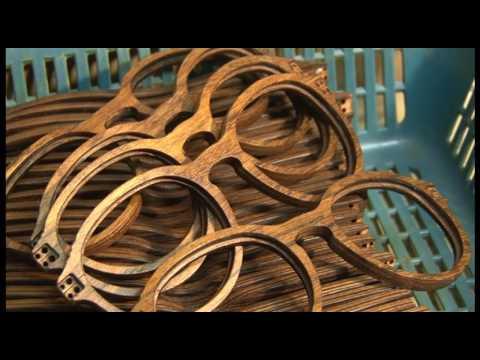 3d89a90b82 Propuesta de relojes y lentes elaborados con madera - YouTube