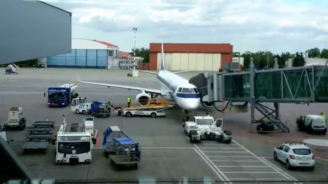 Aeroporto Waw : Lot polish airlines embraer 195lr sp lnc warsaw chopin airport waw