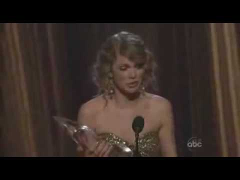 Taylor Swift CMA Awards Wins Entertainer Of The Year Award Speech Country Music Awards 2009