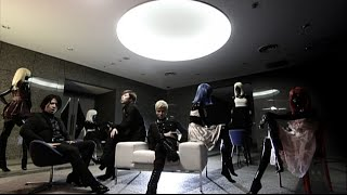 28th Single「Addicted to love」 2010.06.23 Release [収録曲] ◎初回盤...