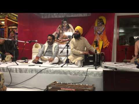 Allah Hoo Chambe Di Booti   Kanwar Grewal   Live in Mandir At UK 2014