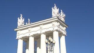 В Волгограде монтируют лестницу № 1