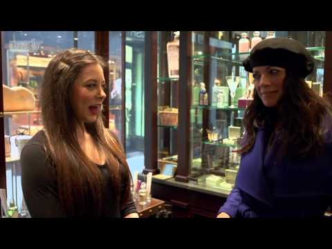 Jenny's Streets Of London - Piccadilly Street - Travel Channel (EN)