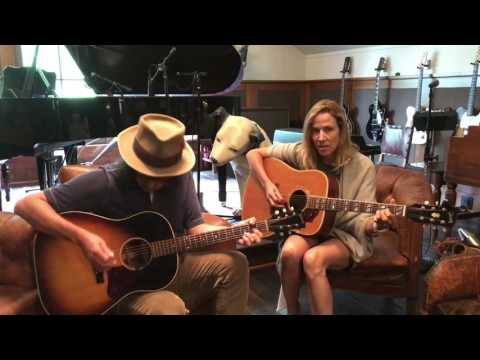 "Sheryl Crow & Jeff Trott - ""My Favorite Mistake"" - Live Acoustic Duo (24-07-2017)"
