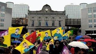 بالفيديو.. مظاهرة كردية أمام البرلمان الأوروبي للمطالبة بوقف عدوان تركيا عليهم