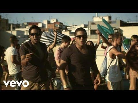 Cali Y El Dandee - La Playa ft. Natalia Bautista