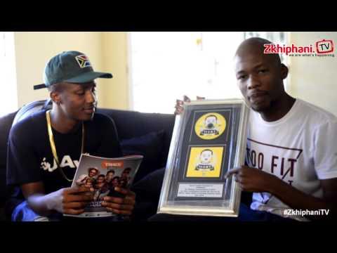 eMtee presents zkhiphani with a platinum plaque